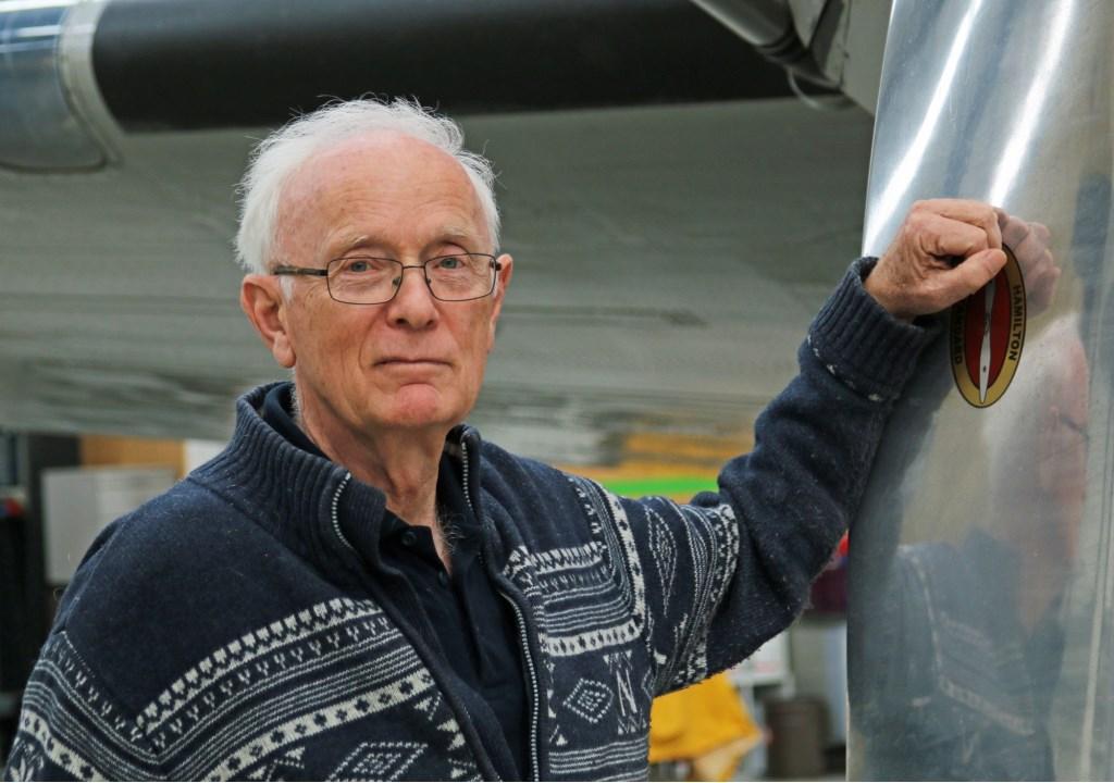 Ron Korver bij de Dakota van de DDA. René de Leeuw © BDU media
