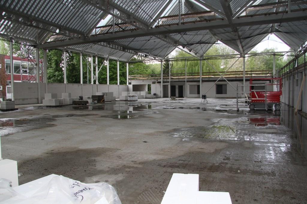 Het nieuwe dorpshuis begint vorm te krijgen. Op de foto de toekomstige sporthal. Trudy Witteman © BDU media