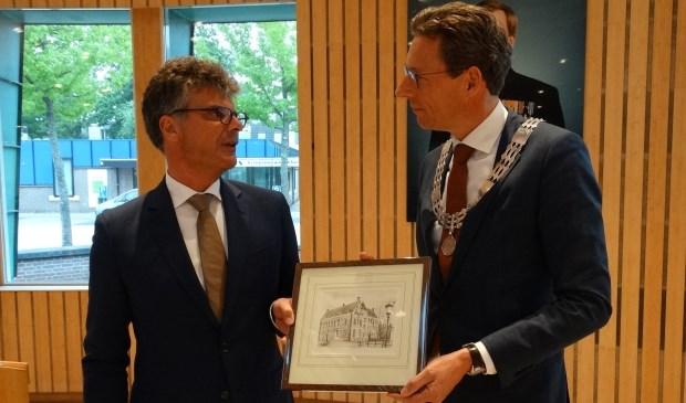 Commissaris van de koning Hans Oosters zei in zijn speech dat Wijkenaren het jammer vinden dat Poppens weggaat.