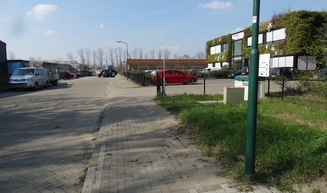 Ingang van het MOB terrein via de nieuw aangelegde Defensieweg