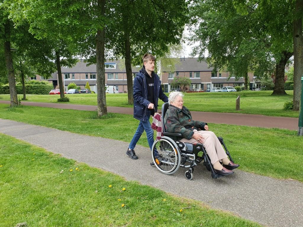 Leerlingen in actie voor Present Irene van Valen - van Hoof © BDU media