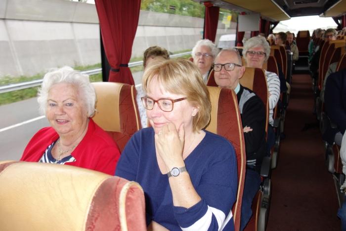 In de bus.