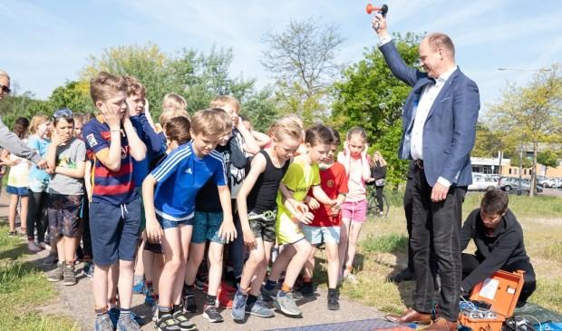 Het startschot voor de triatlon werd gegeven door wethouder Diepstraten.