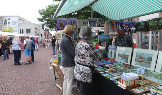Amateurkunstmarkt in het Oude Dorp.