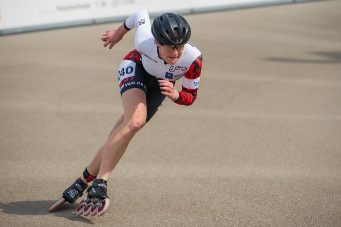 Marit van Beijnum in actie op de 200 meter duo-tijdrit