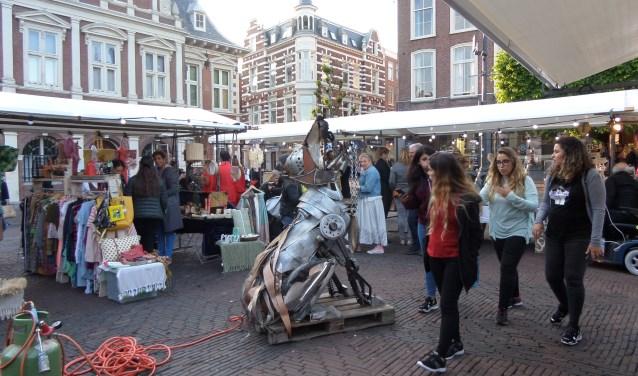 Tijdens de Haarlem ShoppingNight konden de vele shopliefhebbers op de Makersmarkt kennis maken met innovatieve en duurzame producten.