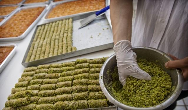 Baklava, een traditioneel zoet gerecht dat meestal gegeten wordt als dessert in de Balkan en het Midden-Oosten.