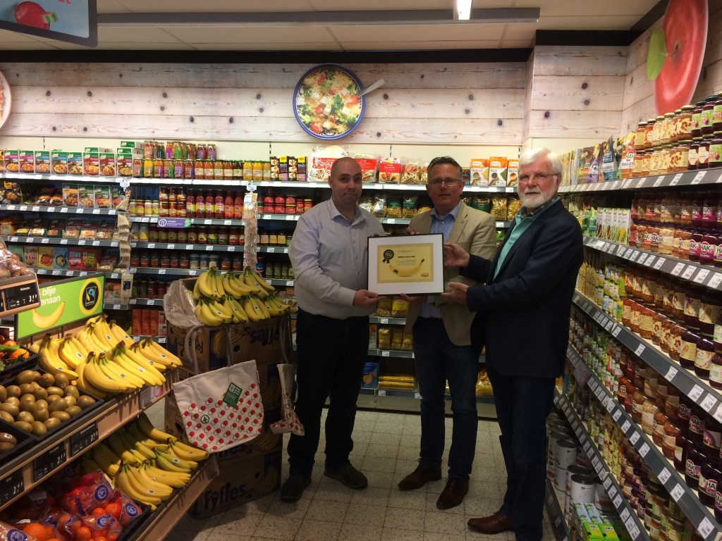 Banana Award voor de Plus in Houten Werkgroep Fairtrade © BDU media