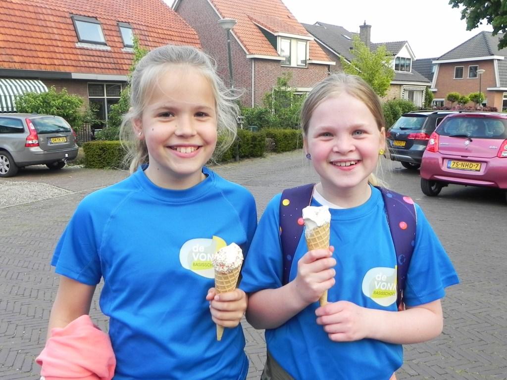 Ja, na 40 kilometer lopen heb je wel een ijsje verdiend. Richard Thoolen © BDU media