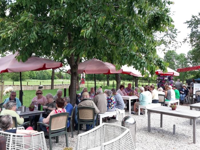 Bewoners van Bunninchem en de bezoekers van het Ontmoetingscentrum