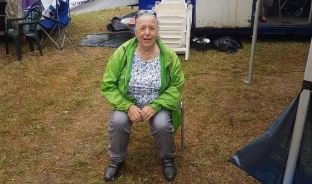 Delia tijdens de jaarlijkse autocross.