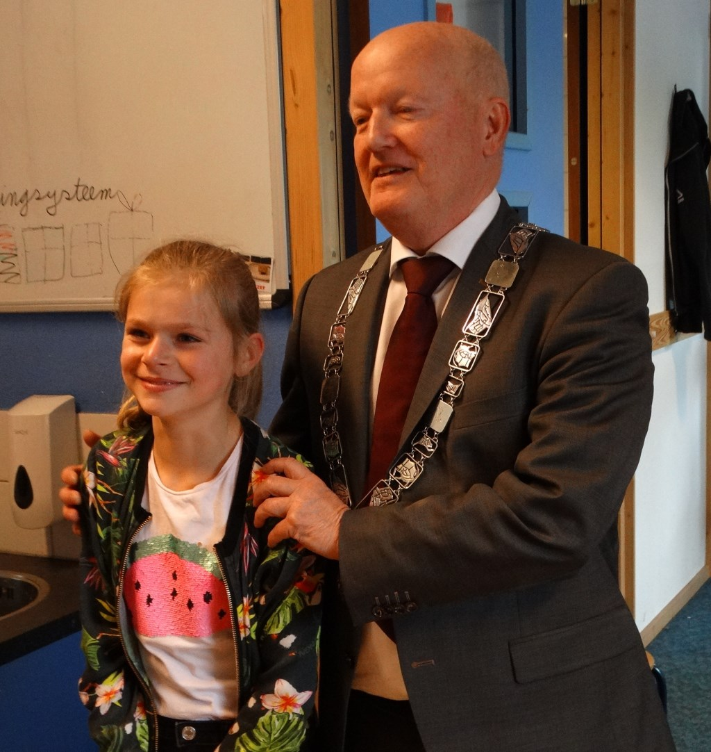Burgemeester Ruud van Bennekom legt uit waarom Jette het is geworden Kuun Jenniskens © BDU media
