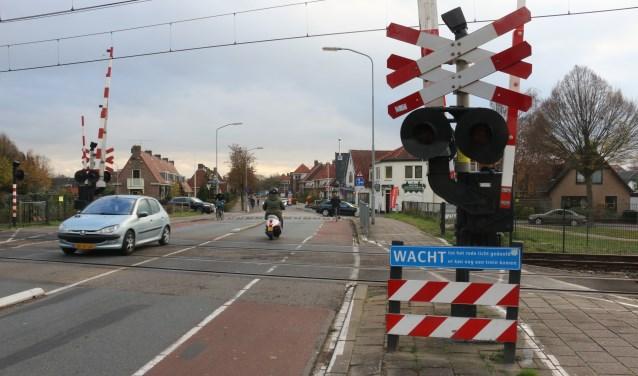 De overgang bij de Kerkweg sluit op z'n vroegst in het najaar van 2021.