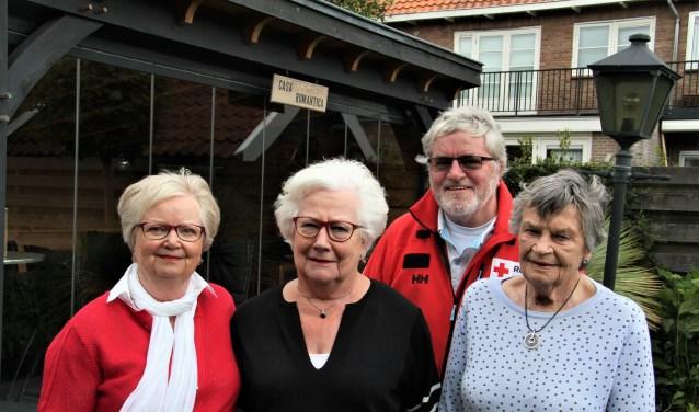 Het basisteam van de boottochten: Anneke, Nel, Dick en Map.