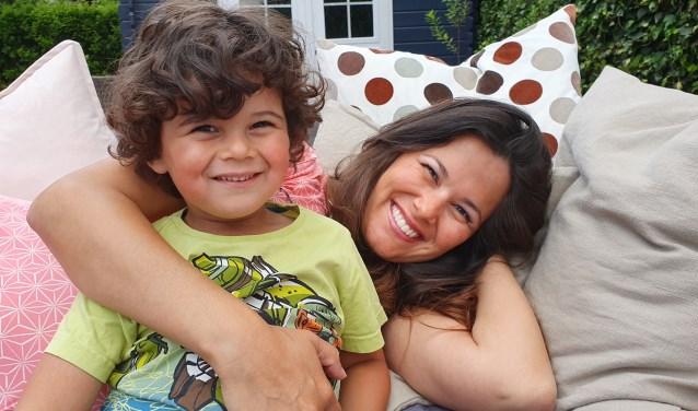 Roos samen met zoon Levi