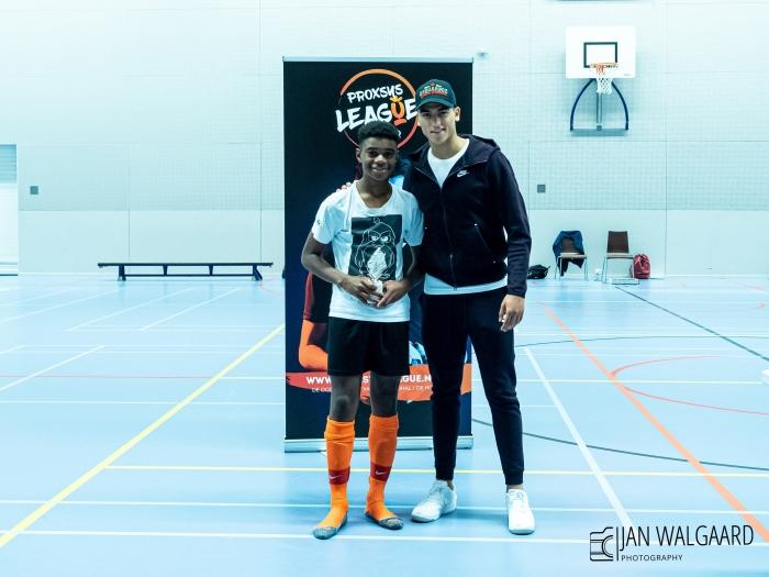 Beste speler Terrance Joe (ZVG /Unitas JO-13) met PSV speler Zakaria Boukhlal