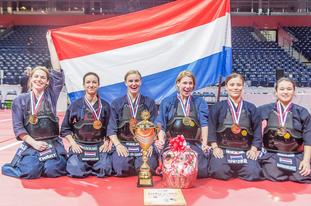 Het Nederlandse Kendo-team heeft fantastisch gepresteerd op de Europese Kampioenschappen in Belgrado. Rick Nieuwenhuijzen © BDU media