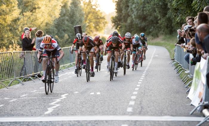 Een sprint bij de Nieuwelingen Hans Steekers © BDU media