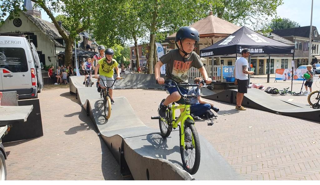 De eerste rijders op de track Irene van Valen © BDU media