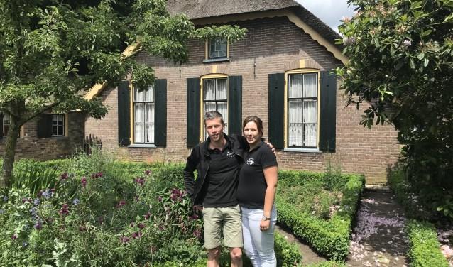 Eelco en Henriëtte Bakker, beheerders van museumboerderij De Mariahoeve in Putten.
