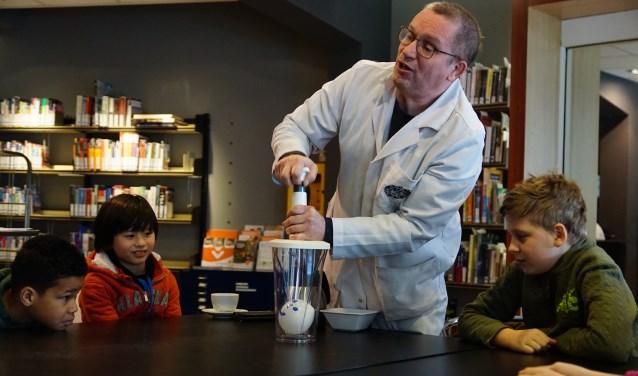 Mad Science houdt activiteiten voor kinderen die kennis willen maken met de wetenschap.