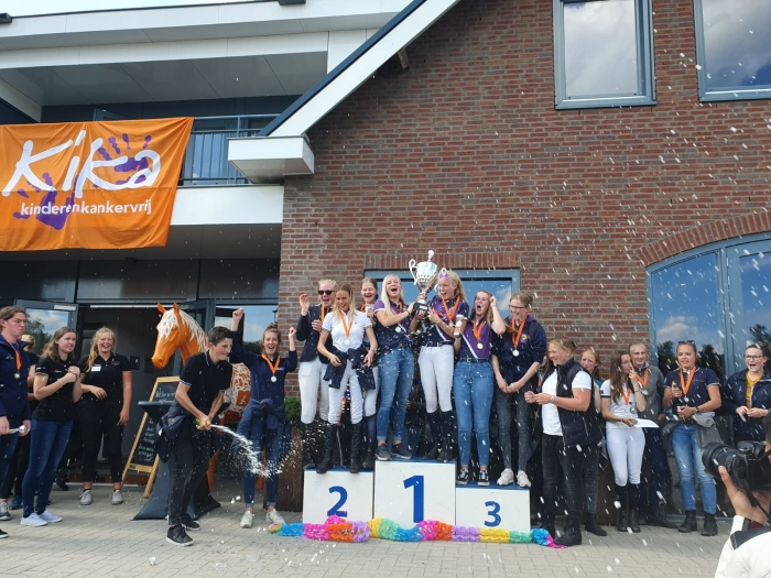 "Winnende team Nationale Scholen Concours: ""Barneveld sportteam 2""  met toestemming  © BDU media"