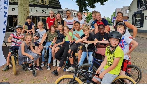 Groep 8a van de Zonnewijzer was erbij en houdt even pauze Irene van Valen © BDU media