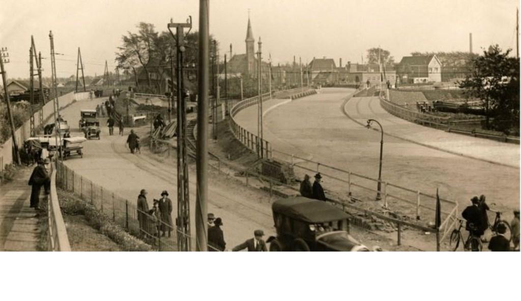 De opening van de oude brug in 1925. Eigen foto © BDU media