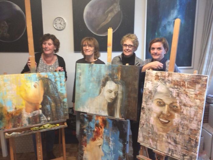 Vier vriendinnen exposeren in het Toon Hermans Huis Ede