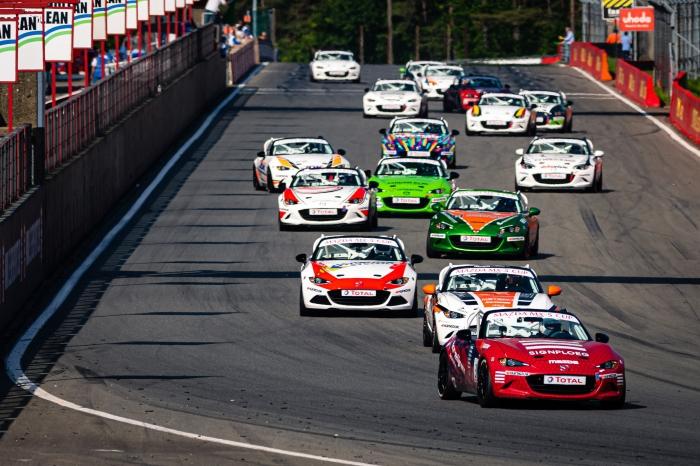 Toine Kreijne op kop in de eerste race Rob Blank © BDU media