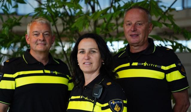 Miranda Verrips met links Pieter Velthuizen en rechts Gerard Doornekamp.