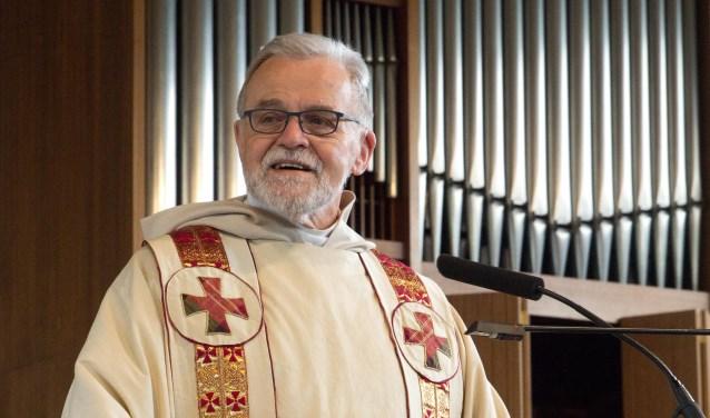 Pastor Adri Verweij gaat nog regelmatig voor in diensten in de hele regio.