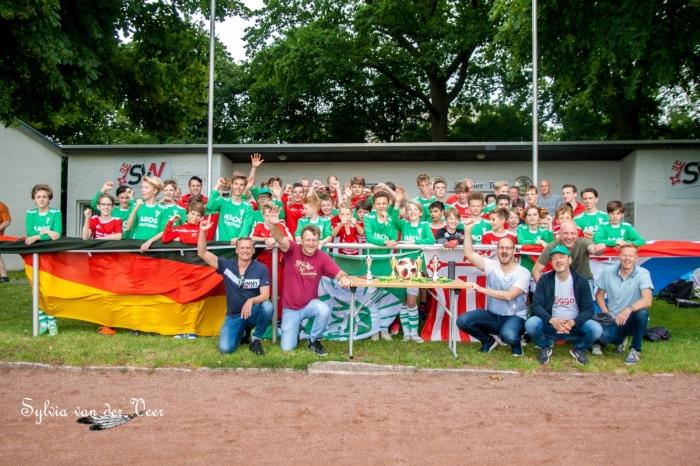 Jeugdteams van VVZ'49 en SV Westfalia
