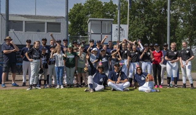 Spelers en kinderen hebben genoten van de clinic bij RCH Pinquins