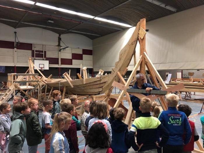 Kees vertelt over het Vikingschip