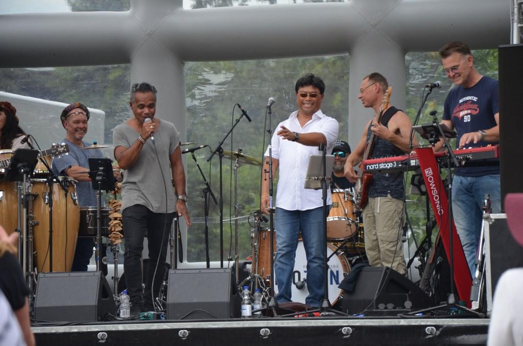 Met Santana klanken werd het festival geopend Ali van Vemde © BDU media