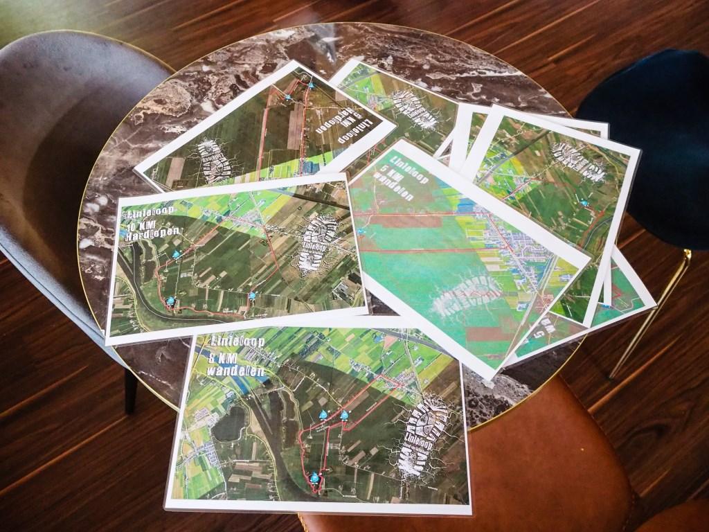 Al van te voren de route bestuderen kon met deze kaarten.  Tanja Vlieger © BDU media