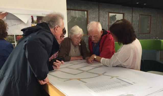 Bewoners bekijken finale plan