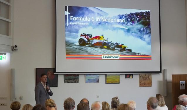 Robert van Overdijk (directeur circuit Zandvoort) licht de actuele stand van zaken toe