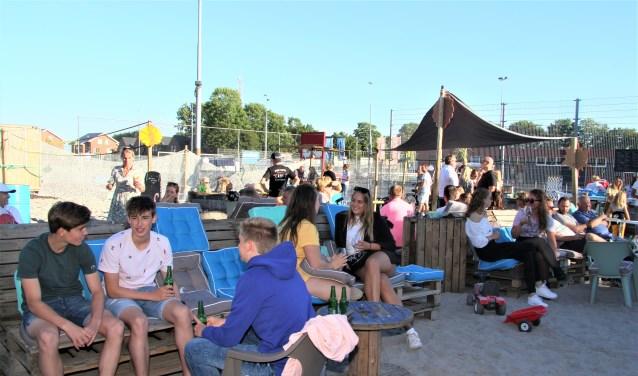 Het strand is elke vrijdag, zaterdag en zondag in juli vanaf 16.00 uur open.