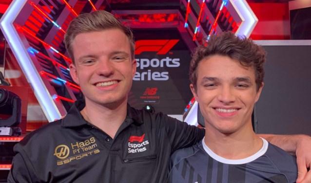 Twee snelheidsduivels naast elkaar: Floris Wijers (links) uit Soest en de Brits-Belgische F1-coureur Lando Norris met wie hij via social media regelmatig contact heeft.
