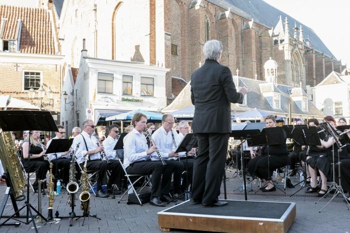 Regionaal Concertorkest Wilskracht onder leiding van Geert Schrijvers