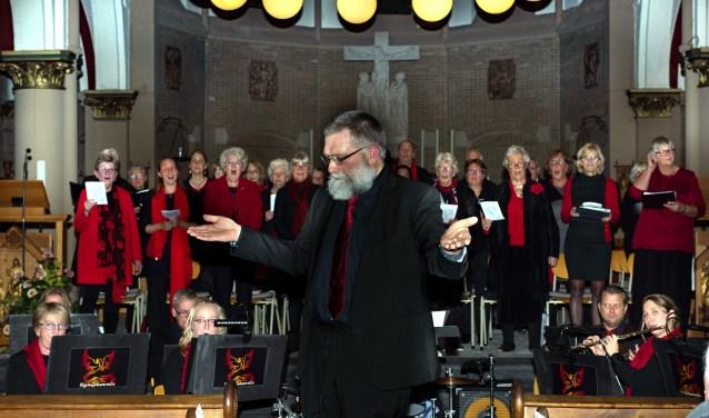 Het koor staat onder de bezielende leiding van dirigent Rob Draijer.