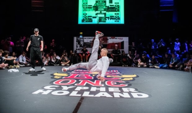 B-boy Joey tijdens de Red Bull BC One Holland Cypher in 2018.
