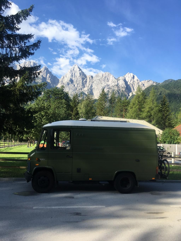 """,,Onze bus op de camping in Kranjska Gora in het prachtige Slovenie."""" Dick Rietkerk © BDU media"""