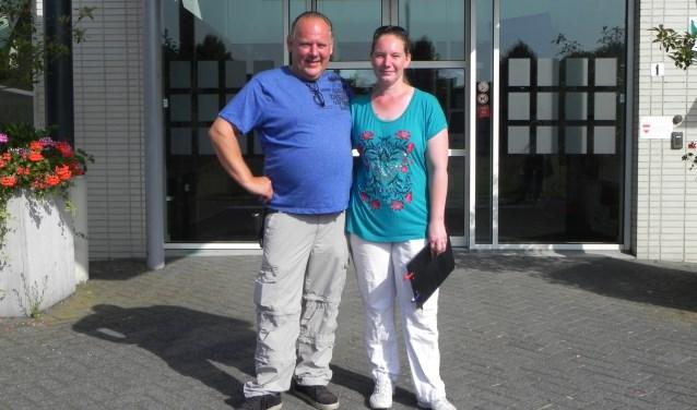 Gert de Klein en Stephanie van Rooij donderdag na het gesprek op het gemeentehuis