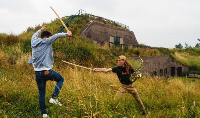 Werk aan de Waalse Wetering leent zich uitstekend voor een muzikaal sprookje inclusief zwaardvechten.