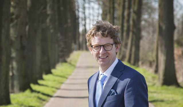 Jan Overweg van ChristenUnie/SGP steunt burgemeester Gerolf Bouwmeester.