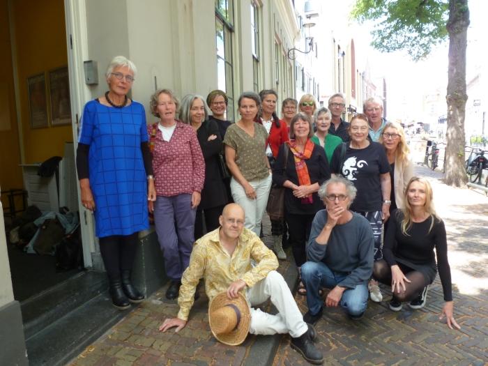 Kunstenaars van De Ploegh maken jubileumtentoonstelling in het Mondriaanhuis