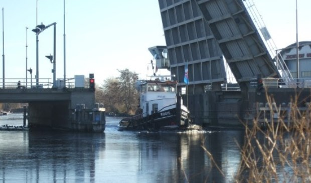 De Aalsmeerderbrug is een van de door de provincie Noord-Holland bediende bruggen.